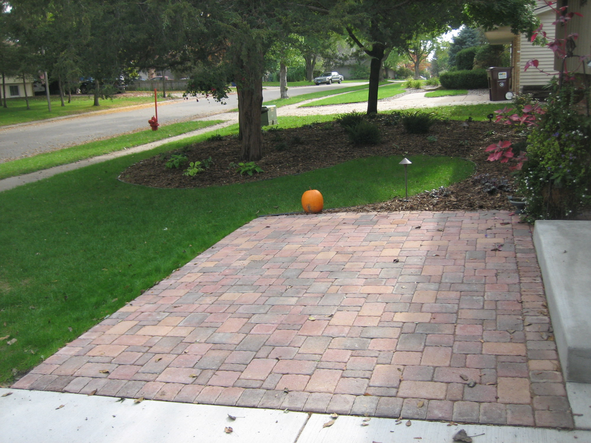 Borgert Autumn Blend Cobble Front Paver Patio in Apple ... on Yard Paver Ideas id=54632